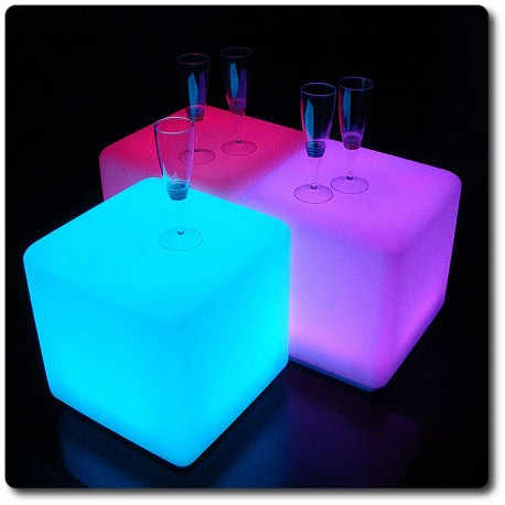Cubo luminoso LED multicolore colorato arredi luminosi
